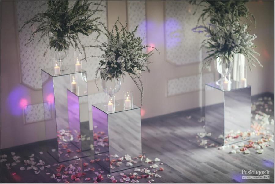 Violetos Varnaitės-Kazlauskienės vestuvių dekoras