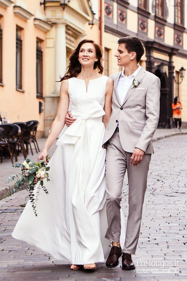 Agnės Deveikytės kurta vestuvinė suknelė