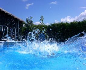 Po pirties visada smagu atsigaivinti vandenyje, o jeigu jis dar malonios temperatūros, malonumas dvigubai didesnis.