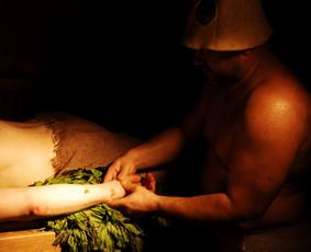 Masažas pirtyje, probleminių kūno vietų priežiūra leidžia atitolinti daugelį negalavimų
