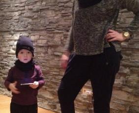Moteriškos ir vaikiškos kelnytės. Taip pat priderinta vaikiška kepurytė su šaliku.
