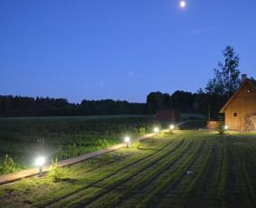 http://www.seimosvila.lt/ Didelė erdvė suteikia gerą laisvės pojūtį.