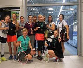 Grupinės moterų lauko teniso treniruotės Vilniuje