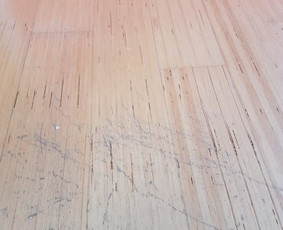 Medinių vidaus ir išorės paviršių galutinė apdaila