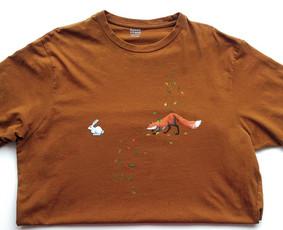 Rankų darbo paveikslais dekoruoti marškinėliai - vienetiniai.