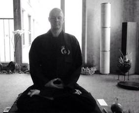 Meditacija ir energetinės technikos.