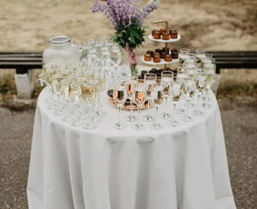 DILI design - šampano staliukas, dekoravomas ir kt.
