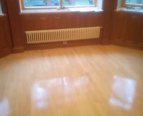 Medinių grindų šlifavimas ir  dėjimas