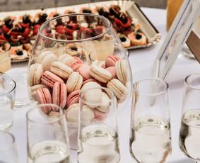 Šventė Stilingai - vaišių/šampano staliukai + aptarnavimas
