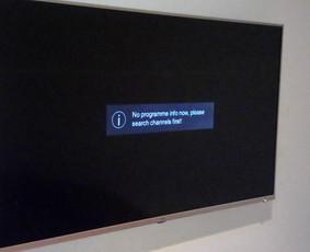 Iš pastatomo televizoriaus - tapo pakabinamas.
