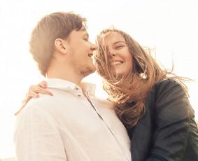 Gyva ir šilta vestuvių fotografija