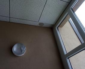 Nukritusių lubų detalių tvirtinimas