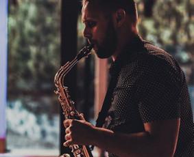 Saksofonistas/ Renginio vedėjas/Muzikantas - Kęstas Vievesis