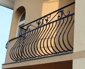 Kalviškas turėklas, prancūziškas balkonas