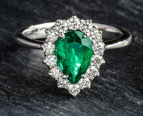 Sužadėtuvių žiedai su Deimantais