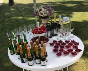 Šampano staliukas Jūsų šventei! / Mantas Skirius / Darbų pavyzdys ID 627353