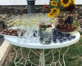 Šampano staliukas Jūsų šventei! / Mantas Skirius / Darbų pavyzdys ID 627355