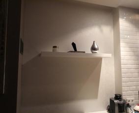 Ikea lentynos montavimas virtuvėje.