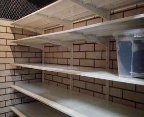 Ikea stelažų montavimas / kabinimas Jūsų sandėliuke, biure, prekybos vietoje.