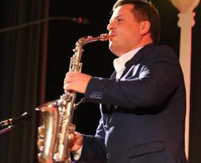 Saksofono muzika jūsų šventėms, saksofonistas