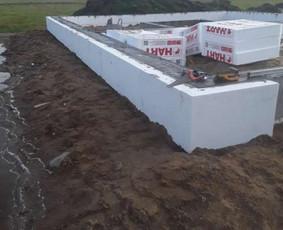 Visu tipu pamatu irengimas muras stogu darbai