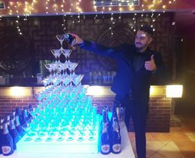 Barmenų šou,šampano piramidės,kokteilių vakarėliai,barmenai