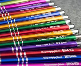 Graviruoti parkeriai, tušinukai, pieštukai, dovanos