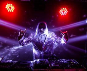 Muzika,dainininkai,DJ,atlikėjai,vedėjai, grupės,pro garsas / SoundTrailer.lt / Darbų pavyzdys ID 700179
