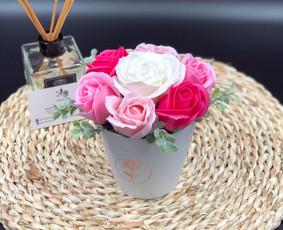 Muilo Gėlių kompozicijos Gėlės pagamintos iš muilo
