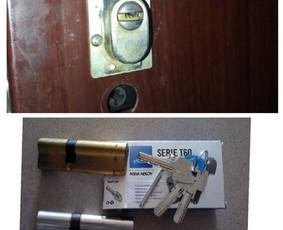 Durų spynos šerdelės keitimas po bandymo įsilaužti. Kad ir nepavyko, bet mechanizmas sugadintas.