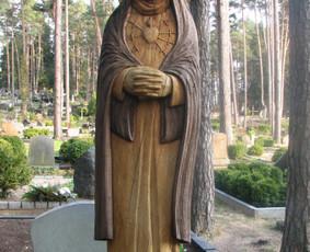 Mergelė Marija Sopulingoji Kulautuvos kapinėse.