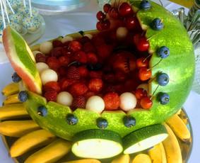 Vaisių tortai ir dekoracijos