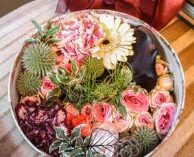Įvairios floristinės gėlių kompozicijos.