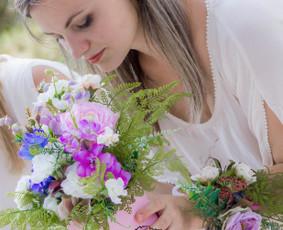 Originalūs dirbtinių ir džiovintų gėlių panaudojimo sprendimai, kompozicijos, kompozicijų nuoma.
