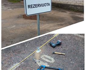 Ženklo tvirtinimas/montavimas į asfalto dangą.