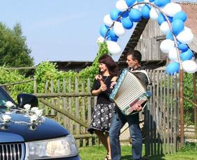 Profesionalūs muzikantai - vedėjai