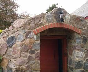Akmenskaldys zidiniu meistras akmenu apdaila