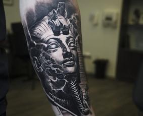 Realistinės tatuiruotės ir tattoo.