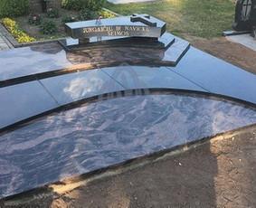 Granito plokščių kaina priklauso: išmatavimų, granito spalvos, granito plokščių storio ir kraštinių apdirbimo.