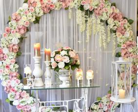Švenčių dekoravimas,šventinis staliukas