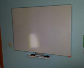 Rašymo, piešimo lentos (bord) prisukimas, montavimas prie sienos