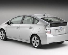 Toyota Prius Nuoma nuo 15 Eur/para