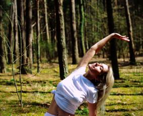 Jogos ir meditacijos mokytoja. Rebefingo instruktorė