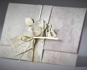 DEVYNI DRAUGAI. Atvirukai, kvietimai ir dekoracijos