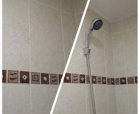 Vonioje turi būti ergonomiška ir viskas po ranka. Beabejonės - tinkamai pritvirtinta.