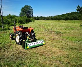 Zemes paruosimo darbai mini traktoriumi, zoles pjovimas