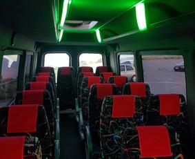 Mikroautobusų nuoma su vairuotoju