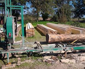 Mobiliu juostiniu gateriu pjauname mediena