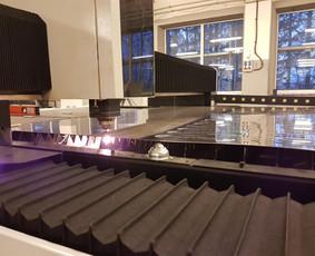 Metalo pjovimas ir graviravimas lazeriu