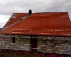 Dengiame stogus, renovuojame senus, statome naujus.